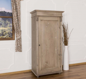 Sifonier din lemn masiv cu picioare si o usa0