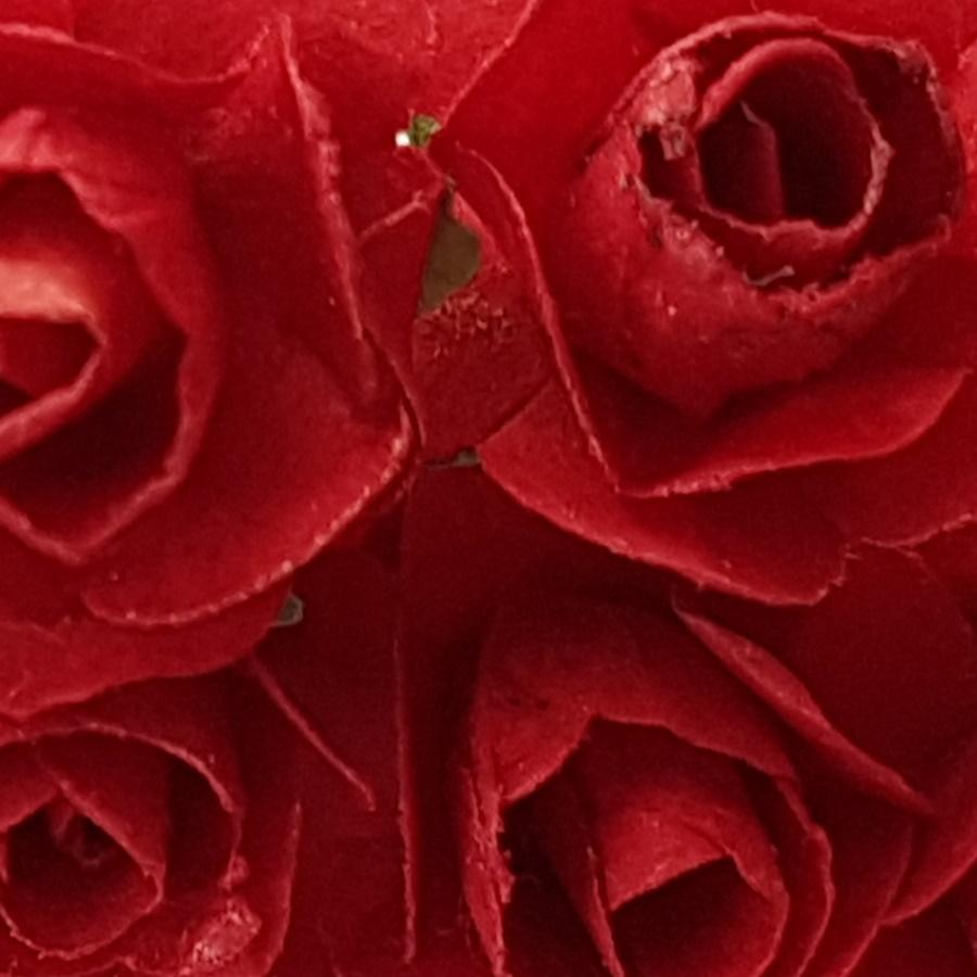 rosu - flori hartie