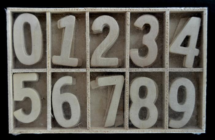 Cifre din lemn 3,5 cm 0