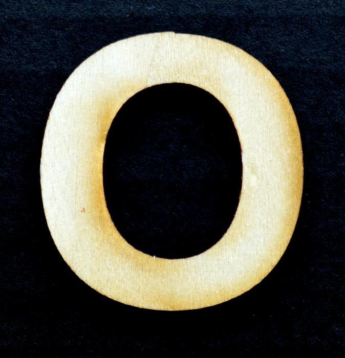 "Litera din lemn ""O"""