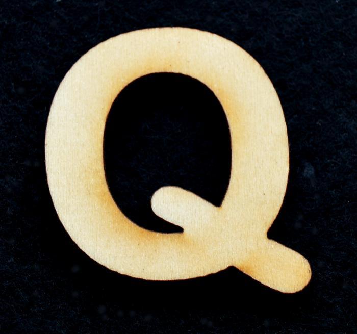 "Litera din lemn ""Q"""