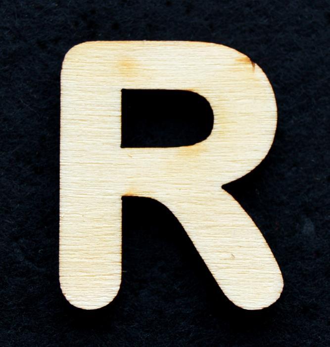 "Litera din lemn ""R"" 0"