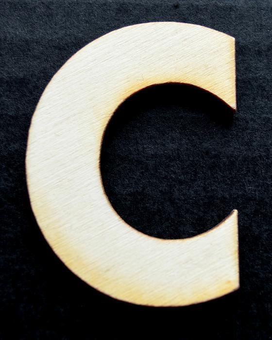 "Litera din lemn ""C"" 0"