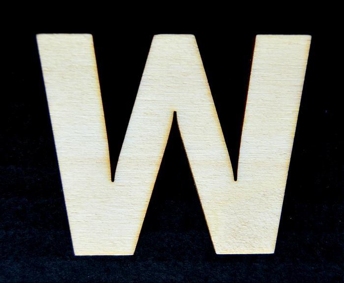 "Litera din lemn ""W"" - 4.5 x 5.4 x 0.4 cm 0"