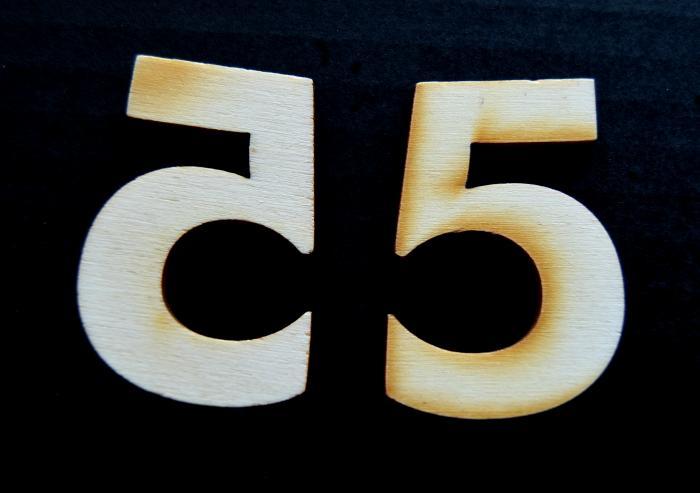 """Cifra din lemn """"5"""""""