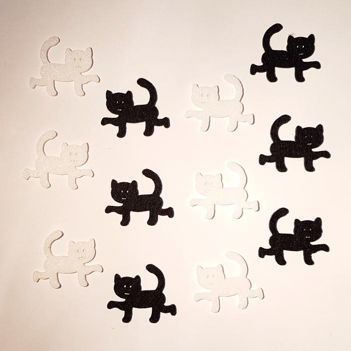 Figurine din fetru in forma de pisica 0