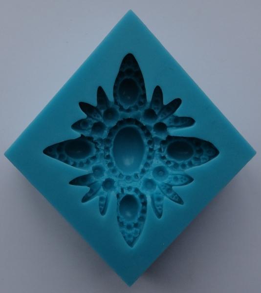 Mulaj din silicon, floare brosa 2 0