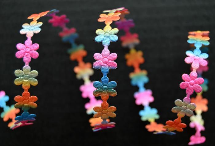 Dantela floricele multicolore 0