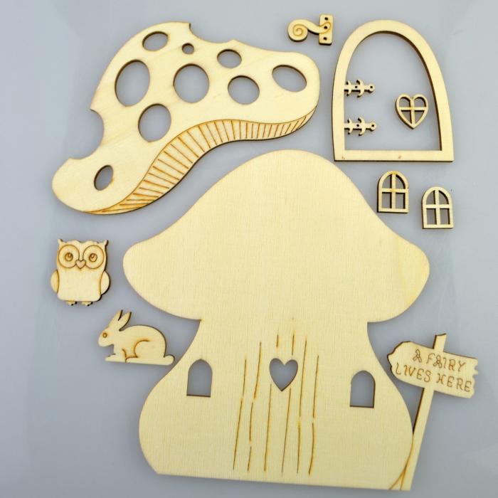 decoratiune-din-lemn-casa-ciuperca-354006 1