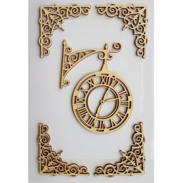 Decoratiune din lemn - ceas si colturi 0