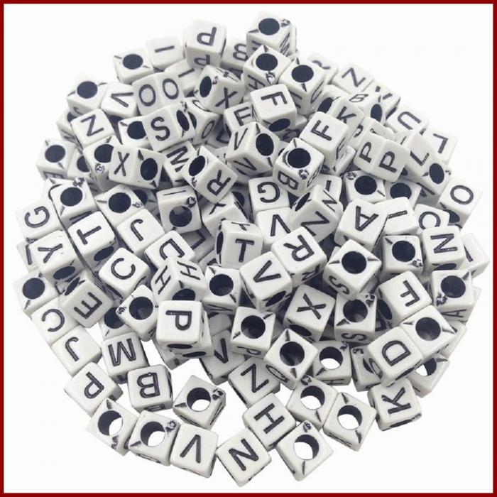 margele-alfabet-alb-litere-negre 0