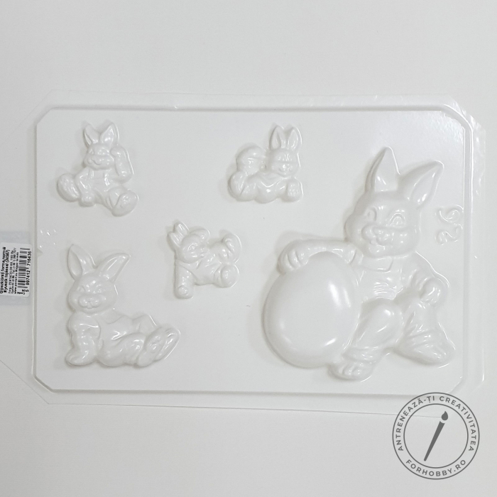 matrita-pentru-turnat-iepuri-cu-oua-de-pasti 1