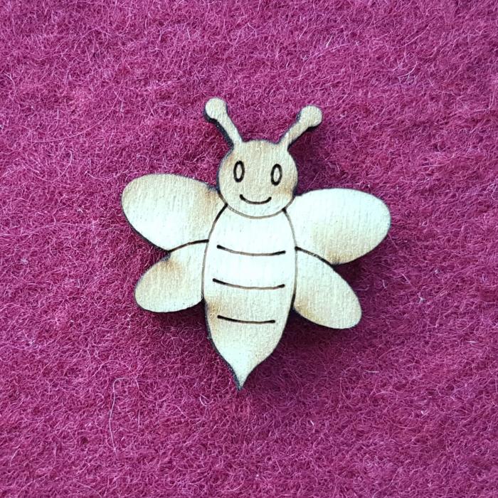 Figurina din lemn - Albina mica 0