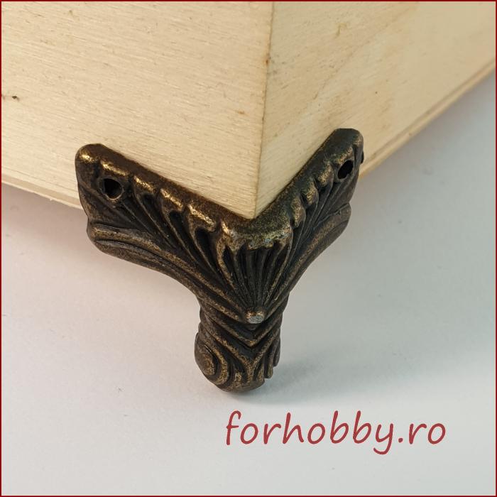 Picior metalic pentru mobilier mic 1
