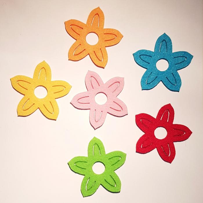 Set flori colorate din fetru 0