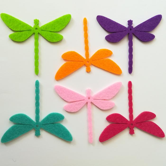 Figurine din fetru in forma de libelule colorate 0