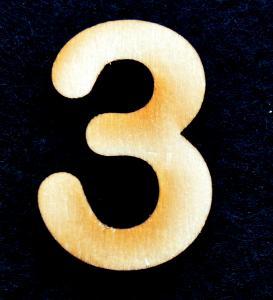 "Cifra din lemn ""3"" - 3.2 x 2.2 x 0.2 cm"