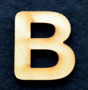 "Litera din lemn ""B"" - 3.2 x 2.8 x 0.2 cm0"