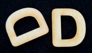 "Litera din lemn ""D"" - 3.2 x 2.7 x 0.2 cm1"