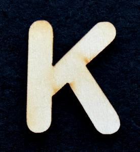 "Litera din lemn ""K"" - 3.2 x 0.7 x 0.2 cm0"