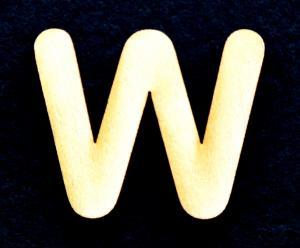 "Litera din lemn ""W"" - 3.2 x 3.9 x 0.2 cm0"
