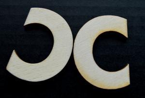 "Litera din lemn ""C"" - 4.5 x 3.5 x 0.4 cm"