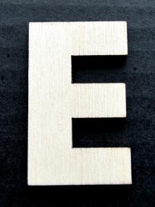 "Litera din lemn ""E"" - 4.5 x 2.7 x 0.4 cm0"