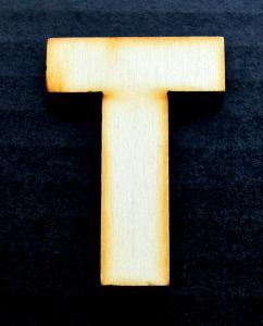 """Litera din lemn """"T"""" - 4.5 x 3.2 x 0.4 cm0"""