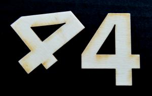 "Cifra din lemn ""4"" - 4.5 x 3.5 x 0.4 cm"
