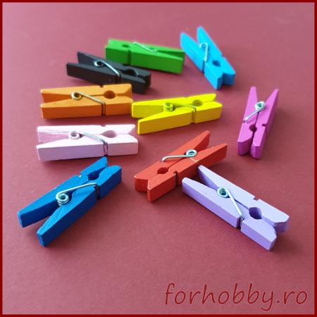 Carlige colorate din lemn 3.5 x 0.6 cm (10bc/set)1