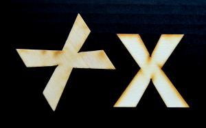"Litera din lemn ""X"" - 4.5 x 4.5 x 0.4 cm1"