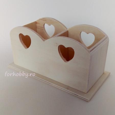 suport-din-lemn-cu-decupaj-inima-20x10x10 cm [0]