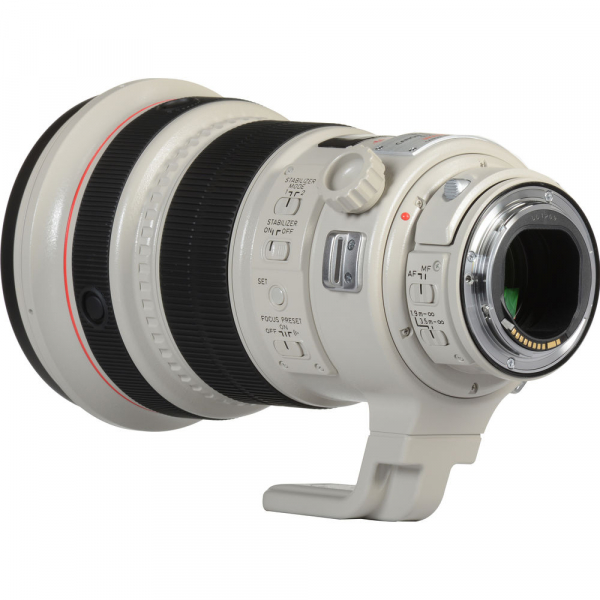 Canon EF 200mm f/2L IS USM 5