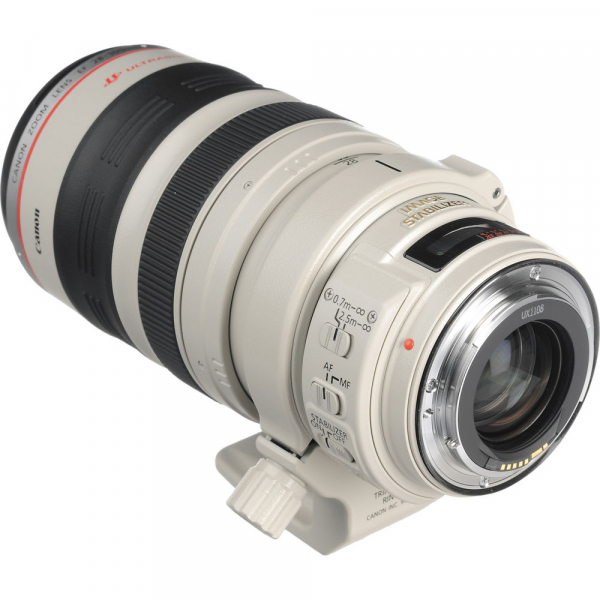 Canon EF 28-300mm f/3.5-5.6L IS USM 4