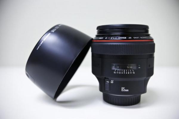 Canon EF 85mm f/1.2 L II USM 6
