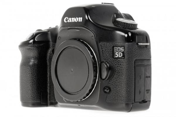 Canon EOS 5D - Aparat foto DSLR- Second Hand 1