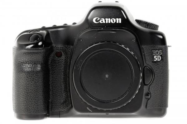 Canon EOS 5D - Aparat foto DSLR- Second Hand 0