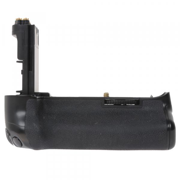 Canon EOS 5D Mark III body + Phottix Grip BG-5DIII (S.H.) 7