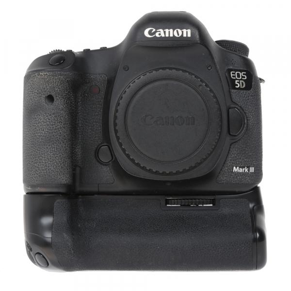 Canon EOS 5D Mark III body + Phottix Grip BG-5DIII (S.H.) 0