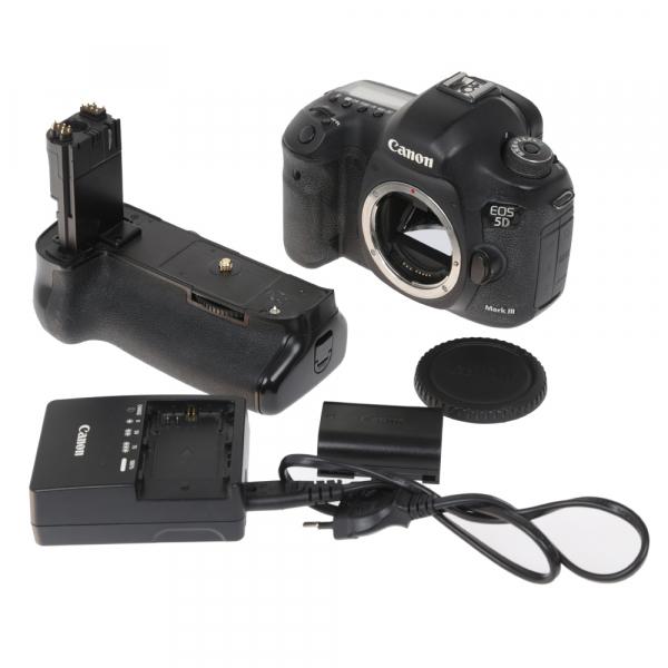 Canon EOS 5D Mark III body + Phottix Grip BG-5DIII (S.H.) 6