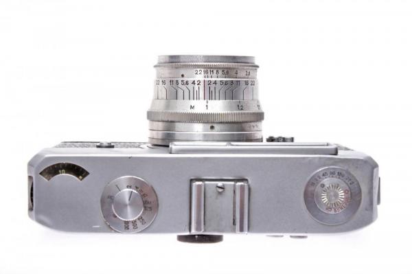 - Drug + Jupiter-8 50mm f/2 4