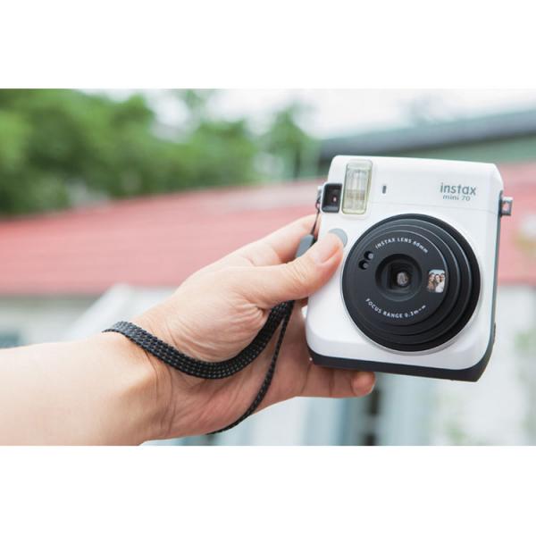 Fujifilm Instax Mini 70 - Aparat Foto Instant alb (Moon White) 1