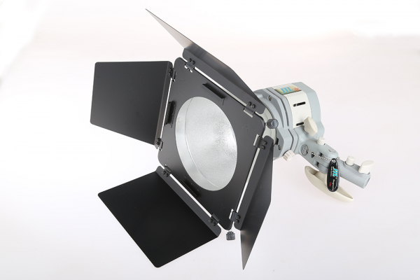 JTL Lumina continua Everlight 500Ws cu reflector si voleti 1