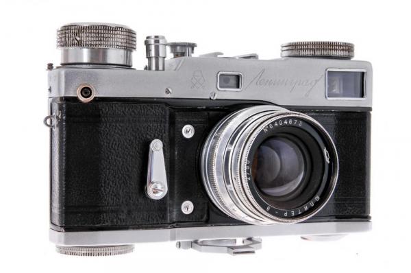 Leningrad + Jupiter-8 50mm f/2 2
