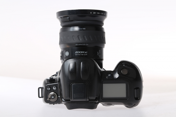 Minolta Dynax 800si + Minolta AF xi 28-105mm f/3,5-4,5 (S.H.) 2