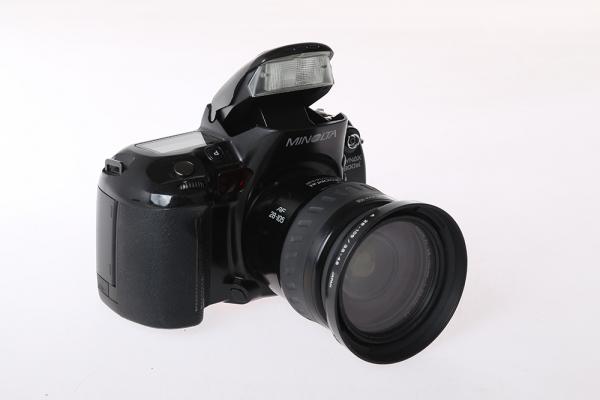 Minolta Dynax 800si + Minolta AF xi 28-105mm f/3,5-4,5 (S.H.) 1