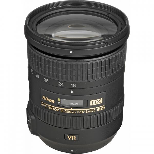 Nikon AF-S DX 18-200mm f/3.5-5.6G ED VR II 0