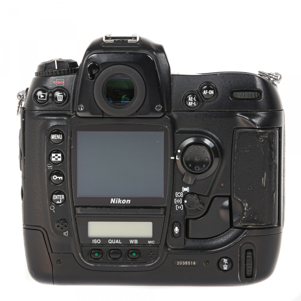 Nikon D2 H +  Nikon D2 X (S.H.) , PACHET [8]