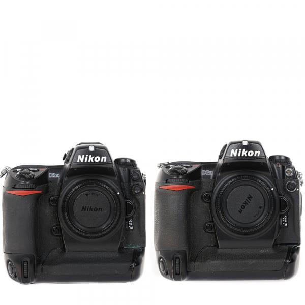 Nikon D2 H +  Nikon D2 X (S.H.) , PACHET 0