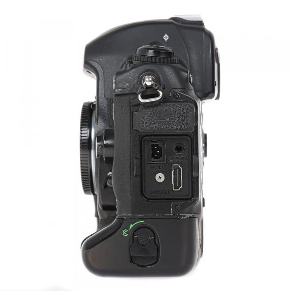 Nikon D2 H +  Nikon D2 X (S.H.) , PACHET 11